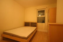 3 bedroom Apartment in New Cross Road, London...
