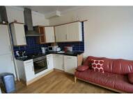 Flat to rent in Queenstown Road,, London...