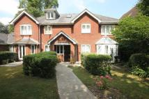 2 bedroom Apartment to rent in Leatherhead  -...