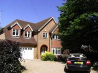 5 bedroom Detached property to rent in Oxshott Road, LEATHERHEAD