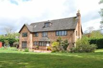 6 bedroom Detached property in Ashtead