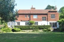 5 bed Detached property in Rookery Hill, Ashtead...