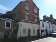 Flat in Well Street, Torrington...