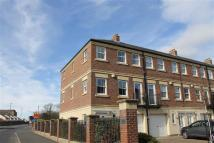 3 bedroom Town House in Kingswood Court...