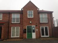 Ground Flat to rent in Stepney Rise...