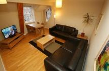 Flat in Canongate, Royal Mile...