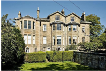 Flat to rent in Mayfield Terrace...