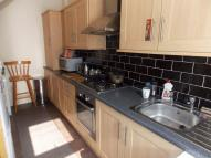 2 bedroom End of Terrace house to rent in Todmorden Road, Summit...