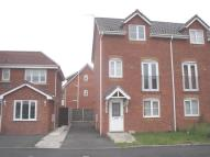 Town House to rent in Chandlers Way, St Helens