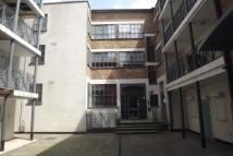 Town centre Apartment to rent