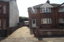 3 bedroom house to rent in Victoria Street, LU6
