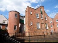 1 bedroom Ground Flat in SILKWEAVERS MEWS...