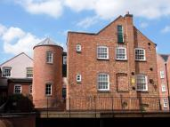 2 bedroom Maisonette to rent in SILKWEAVERS MEWS...