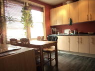 Flat Share in Myddleton Road, London...