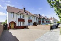 5 bedroom semi detached house in Broomfield Lane, London