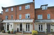 4 bedroom Town House to rent in Highcroft Villas...