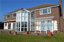 5 bedroom Detached property in Roedean Heights...