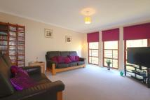 2 bedroom Flat in Flat 2/2...