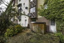 2 bed Maisonette in 22  Lulworth Court, ...