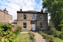 Detached house in Findhorn Place...
