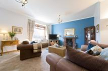 3 bed Cottage for sale in 26 Queen Street...