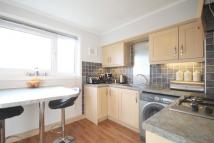 3 bedroom Flat in 11 Old Kirk Road...
