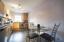 3 bed Flat in 11 Cherrywood Road...