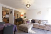 2 bedroom Flat in 8/35 Salamander Court...