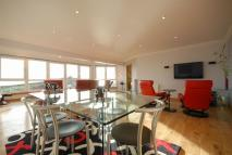 Penthouse for sale in 17c Kingsview Apartments...