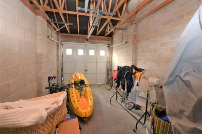 Garage No 2