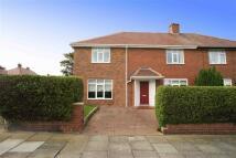 semi detached house to rent in Glen Allen Gardens...