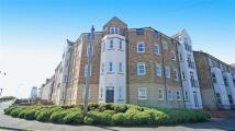 4 bed Flat in Renaissance Point...