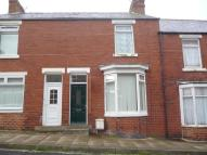 2 bed property to rent in Pearl Street, Shildon...