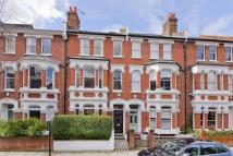 5 bedroom home in Calabria Road, Highbury...