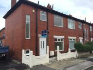 3 bedroom semi detached house to rent in Kynder Street, Denton...