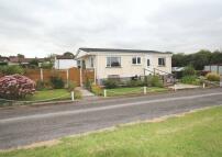 Detached Bungalow in Castle Hill Park, Woodley