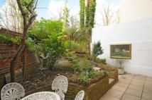 2 bed Flat to rent in Frognal, Hampstead, NW3