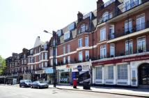 4 bedroom Flat in Burgess Parade Mansions...