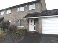 3 bedroom semi detached house to rent in Winslade Close...