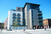 Apartment to rent in Quayside, Bute Crescent...