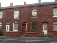 2 bedroom Terraced house in Lumn Road, Hyde, SK14