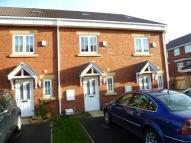 3 bedroom property in Parkfield Court, Morley...