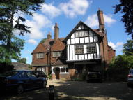 2 bed Apartment in Hawthorne Road, Bickley