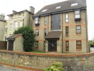 Studio apartment in Vanbrugh Park Road West...