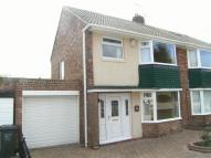3 bedroom semi detached property to rent in Moor Park Road...