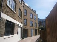 3 bedroom Flat in Garden/Live Work London...