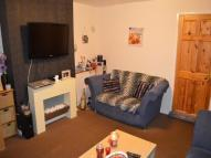 Flat to rent in Beauchamp Road...