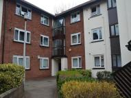 Flat to rent in Squires Court Canterbury...