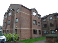 2 bed Flat in Mahon Court, Moodiesburn...