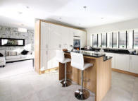 4 bed new house in Leicester Road...